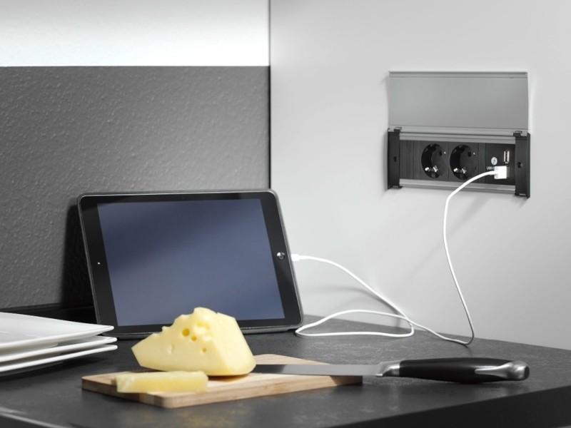 BACHMANN KAPSA,  2 Steckdosen, 1 USB-Doppelcharger, Deckel Edelstahl-Optik