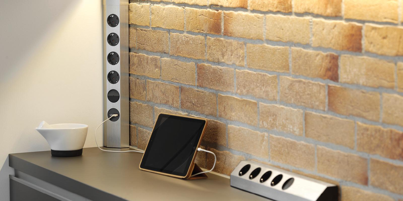 BACHMANN Universal-Steckdosenleiste mit 4 Steckdosen, 1 Schalter, 1 USB-Charger